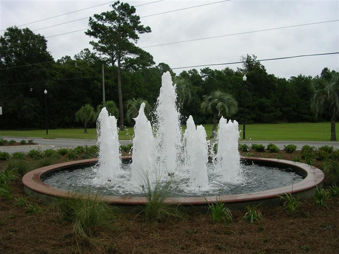 circular fountain with 5 jetts
