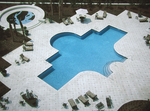 Overhead view of the renaissance condominiums swimming pool in mount pleasant, sc