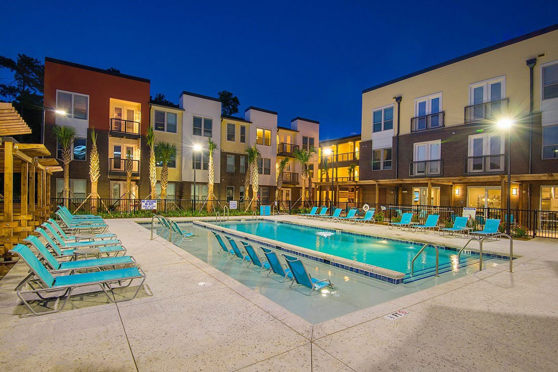 shared community pool in apartment complex