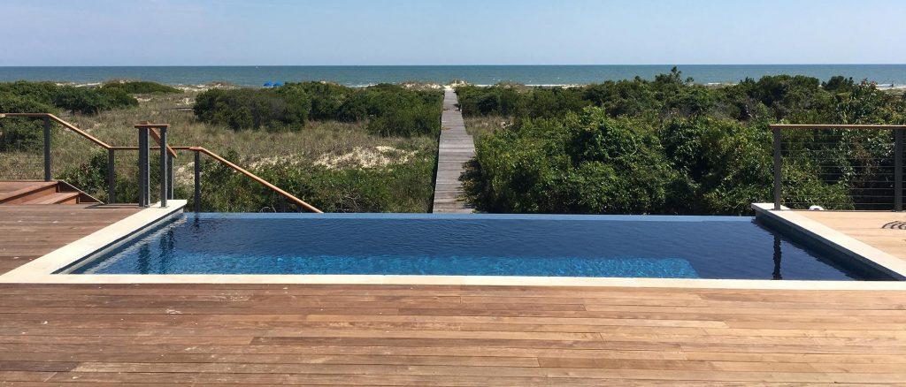 Luxury pool overlooking the ocean