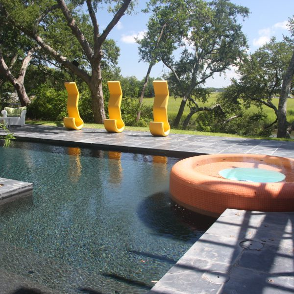 L shaped Geometric Pool with Spa side view