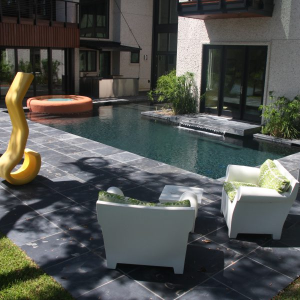 L shaped Geometric Pool with Spa front view