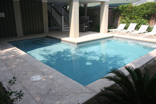 Geometric Pool in an L shape with steps