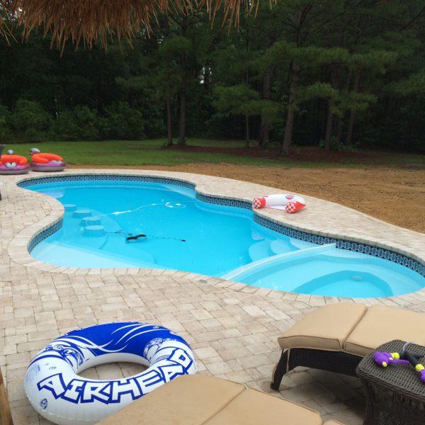 Family Fiberglass Swimming Pool